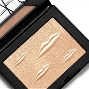 NARS Man Ray Double Take Overexposed Highlighter